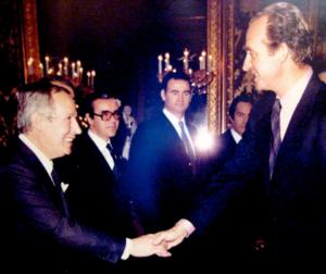 Ricardo Pérez saluda a su Majestad el Rey Juan Carlos I